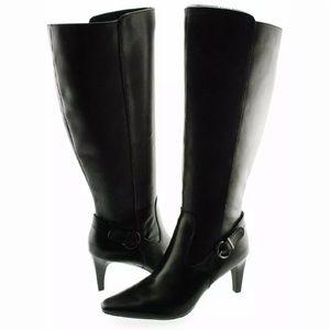 Black heel bots